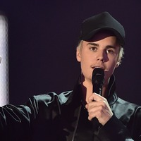 Justin Bieber delivers knock-out punch as boxer in Anyone video