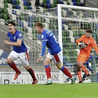 Danske Bank Premiership: Linfield go five clear at top after win over Crusaders