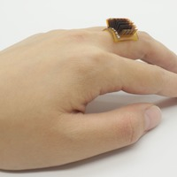 Power to the people: Device turns the body into a battery