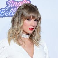 Taylor Swift teases surprise announcement