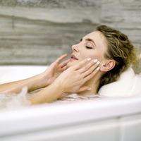 Hot baths can improve low mood