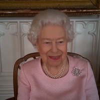 Queen shares jokes as she unveils first statue virtually