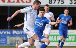 Danske Bank Premiership: Coleraine keep on the coat-tails of leaders Linfield