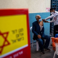 Israel starts vaccinating Palestinian workers