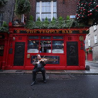 Video: Lament echoes in empty Temple Bar streets to mark one year since pubs closed