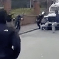 Police come under attack in Derry during New IRA search
