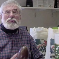 Gerry Adams launches 'Irish unity' Easter egg