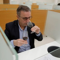 Tasters savour fine wine that orbited Earth
