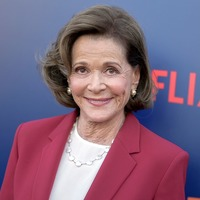 Arrested Development stars lead Jessica Walter tributes after her death at 80