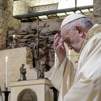 Pope challenges Vatican's journalists: How many people read your news?
