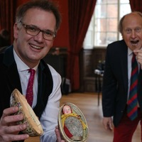 Easter egg made in 1924 found during Bargain Hunt search