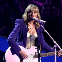 Taylor Swift overtakes Beatles with Fearless chart record