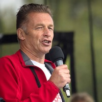 Chris Packham edits special edition of The Big Issue