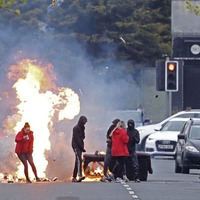 Police come under attack from youths in fresh loyalist disturbances