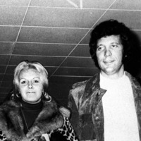 Sir Tom Jones recalls words of advice from late wife Linda