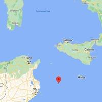 2,100 migrants reach Italian island of Lampedusa in 24 hours