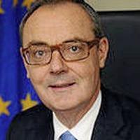 Former diplomat David O'Sullivan warns against early border poll