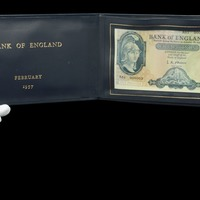 Rare £5 note which belonged to Harold Macmillan to go under the hammer