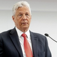 Peter Robinson describes his DUP successor's defenestration as a 'bloodbath' and warns that divided parties 'don't win elections'