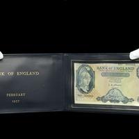 £5 banknote presented to Harold Macmillan sells for £22,000