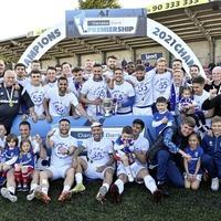 David Healy praises Linfield players as trio move to Glenavon