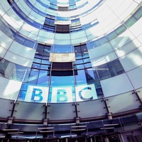BBC journalist chased and abused by anti-lockdown protesters