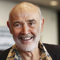 Suits worn by Sir Sean Connery on screen fetch almost £7,000 in auction