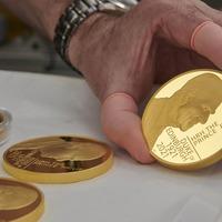 New £5 coin unveiled commemorating the Duke of Edinburgh