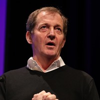 Alastair Campbell performs surprising rendition of Three Lions