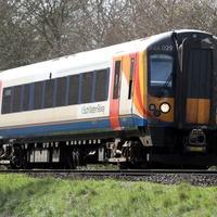 Rail authorities warn of rise in track selfies
