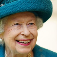 Queen's hits performed for the Queen during Manchester Cathedral visit
