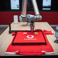 British & Irish Lions players sign shirts from 8,000 miles away using 5G