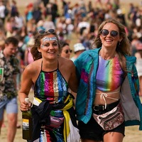 Festivalgoers enjoy first Saturday since 'freedom day' at Latitude and Tramlines