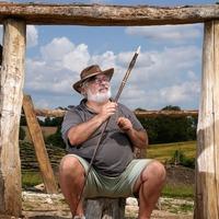 Veterans help reconstruct Bronze Age roundhouse