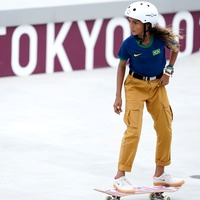 Teen who went viral skateboarding in a dress wins Olympic silver