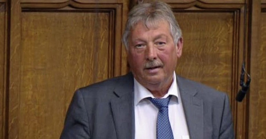 Sammy Wilson 'appalled' at Edwin Poots' ministerial handling of Brexit pet checks, letter reveals