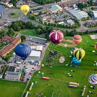 Thirty hot air balloons fly above Bristol at start of 'Fiesta Fortnight'