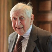 Scientist whose work supported development of mobile phones dies aged 98