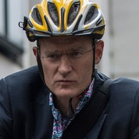 Jeremy Vine's cycling video sparks angry reaction