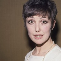 Una Stubbs graced stage and screen in long and varied career