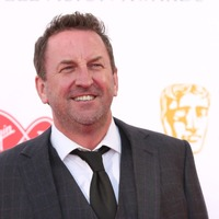 Documentary to show Lee Mack trying to get in shape for Soccer Aid
