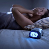 Cooling bracelet to ease dizziness and insomnia