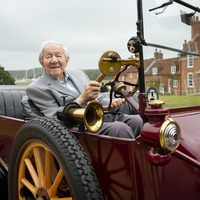101-year-old goes for ride in 1915 Ford Model T and electric Mustang Mach-E