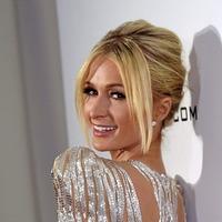 Sleb Safari: Paris Hilton plans to wear 10 dresses at her wedding