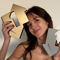 Olivia Rodrigo reclaims top spot in album charts after successful vinyl release