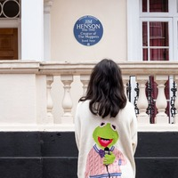 Muppets creator Jim Henson honoured with blue plaque at London home