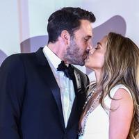 Jennifer Lopez and Ben Affleck make red carpet return at The Last Duel premiere