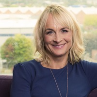 Louise Minchin applauded into newsroom for final BBC Breakfast