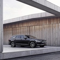 Volvo rolls out improved Recharge plug-in hybrid powertrain for 90 and 60 series, creating 'most powerful Volvos ever'