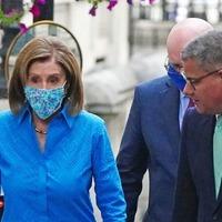 Nancy Pelosi warns UK-US trade deal 'unlikely' if NI Brexit talks damage peace process